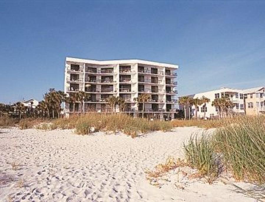 Suncoast apartments vacations to america for Chambre condos madeira beach florida